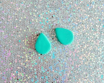 TEARDROP STUDS earrings