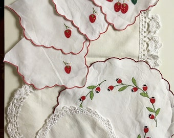 Scrap crochet doili // Crocheted Doilies Bundle // Doilies Vintage Bundle // Crochet Doilies