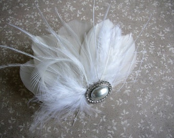 Feather Hair Clip, Wedding Accessories, Feather Headpiece, Feather Bridal Headpiece, Pearl Hair Piece, Feather Fascinator, White Headpiece