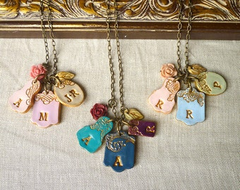4 medallions Mother's Day Letter cluster, Gift for Mom from Kids, Kids initials Necklace, Mother's Day Jewelry, Modern mama necklace, colors