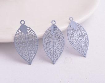 2 leaf prints grey 28 x 15 mm