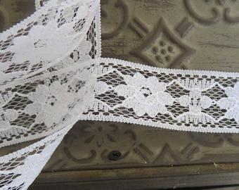 Romantica white lace scalloped 30mm