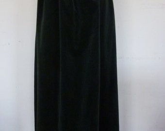Velvet Maxi Skirt Vintage Hunter Green Formal Maxi Evening Skirt Made by Country Suburban Size 6 1970s