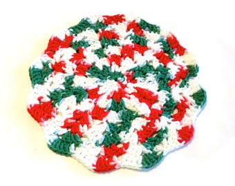 I Love Christmas Crocheted Round Shell Stitch Dish Cloth