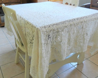 Quaker Lace Tablecloth, Shabby Chic CUTTER,  Lace Tablecloth, 1930s Tablecloth, Dining Room Tablecloth, CUTTER