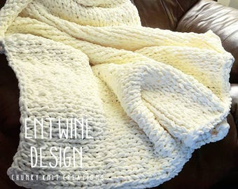 Super Chunky Arm Knit Throw Blanket