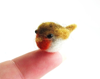 Tiny needle felted robin
