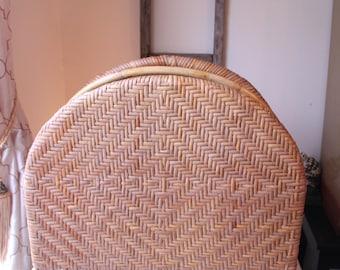 Vintage Wicker Magazine Rack, Rounded Top, Nautical Magazine Holder, Beach Home, Bohhemian Magazine Holder, Boho Chic, Rattan/Cane,