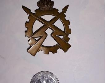 VINTAGE Belgium Army Royal Electrical and Mechanical Engineers Badge