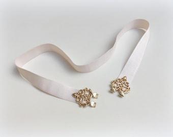 Ivory elastic waist belt. Gold filigree belt. Bridal belt. Birdesmaid belt. Dress belt. Stretch belt. Wedding belt. Off white belt.