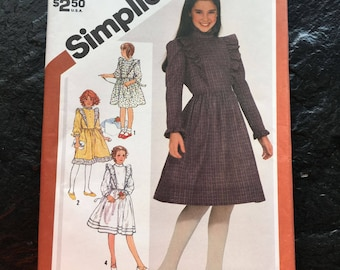 Vintage 1980s Girl's Pullover Prairie Style Dress Pattern // Simplicity 5772 > Size 12 > ruffled, princess seams