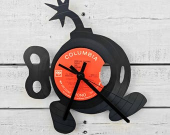 Bob-omb Vinyl Record Clock / Unique Gifts for Men, Christmas Gifts For Boyfriend / Video Game Decor / Last Minute Gift, Christmas Gift Ideas