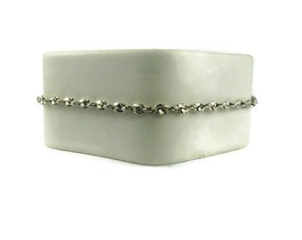 Minimalist Serpentine Chain Bracelet
