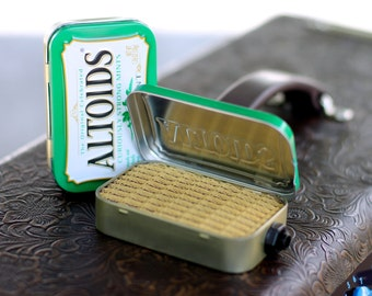 Portable Mint Tin Amp and Speaker for Electric Guitar- Altoids Green/Tweed handmade gifts for guitar players