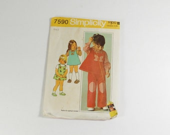 Simplicity 7590 – Vintage 1976 Toddlers' Jumper or Top, Blouse and Pants Size 2.
