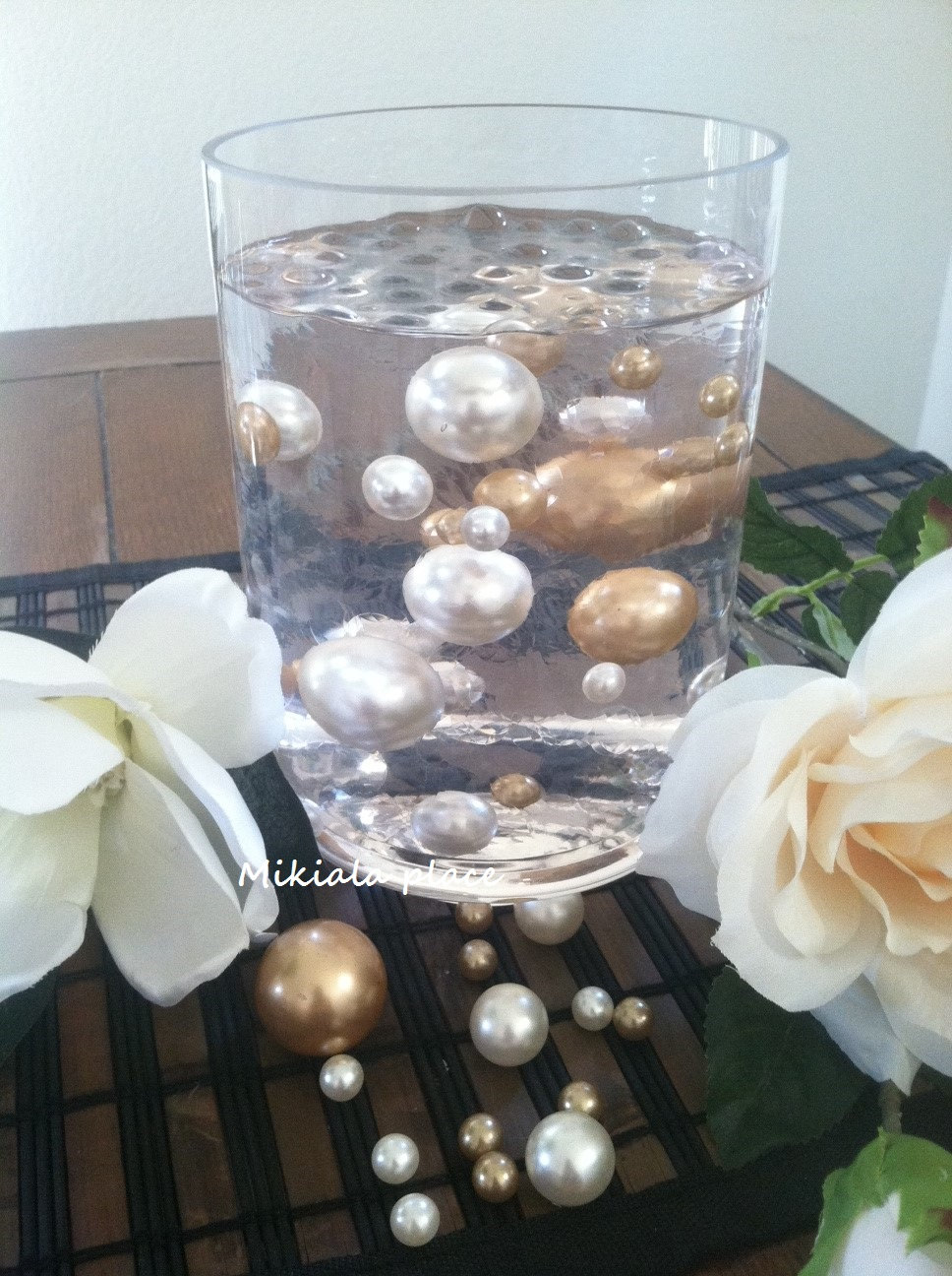 Champagneivory jumbo floating pearls for vase fillersholiday zoom floridaeventfo Images