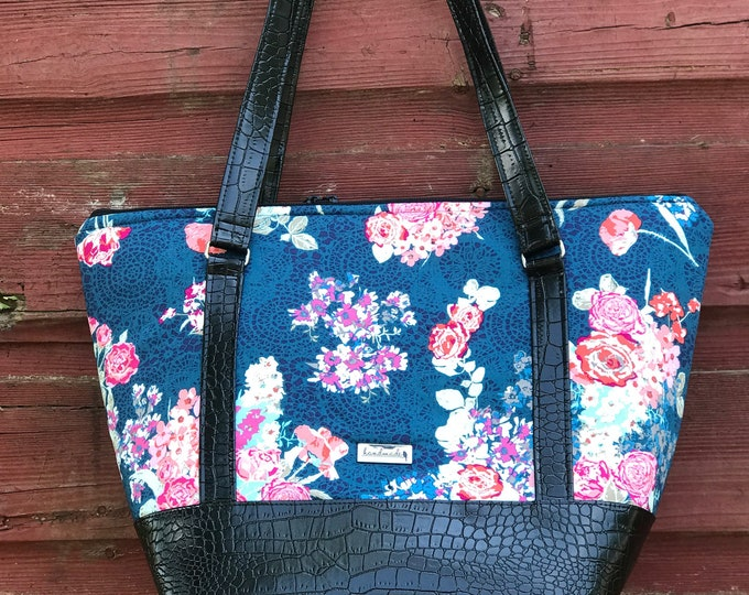 Boogie On Travel Bag ~ Blue with Pink Flowers