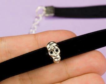 Skull Choker Necklace Black Suede Choker Retro 90s Accessories Choker Goth Necklace