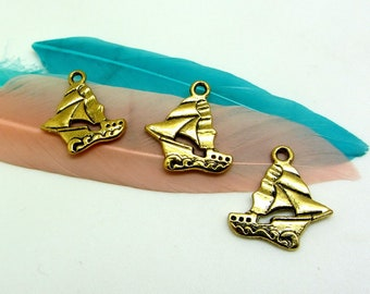 4 sailboat charms, gold Metal old gold, boat, sea, marine, 18 * 19 mm