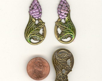 2 (Pair) Vintage Banana Bob 1-1/2th Inch Painted Enamel Brass Ox Grape & Leaf Charms Pendants MS34