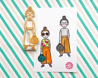 fashionista stamp | girl with straw bag | people stamp | stamp for journalling | street fashion no12 | hand carved by talktothesun