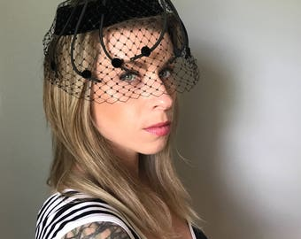 Vintage 50s Black Fascinator Hat w/ Netting