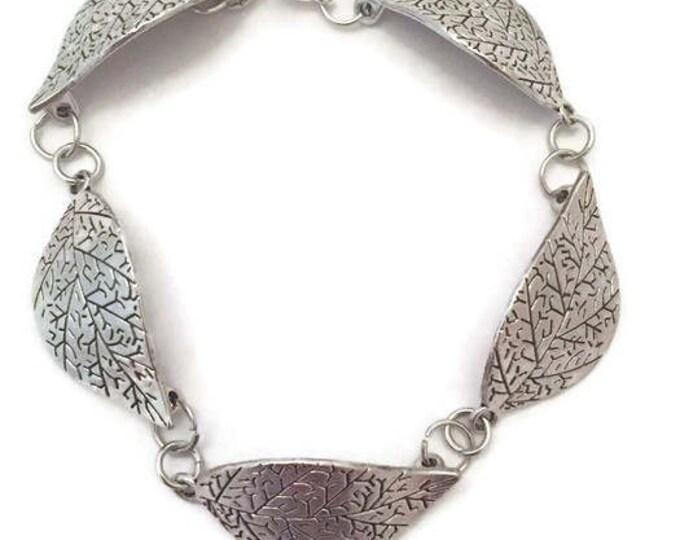 Leaf Link Bracelet, 7.5 inch Leaf Bracelet,  Silver Plate with a Lobster Clasp,  Silver Leaves Bracelet