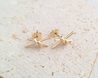 Knotted Earring,Knotted studs,Gold Knotted Earring,Gold Knotted Stud Earring,Tiny Knotted Stud Earring,Tiny Gold Knotted Studs