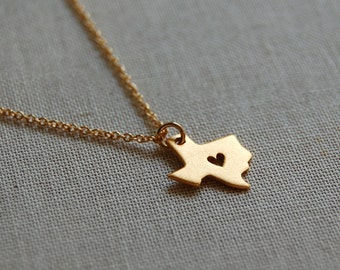 Tiny Texas Heart Necklace in Gold 1292