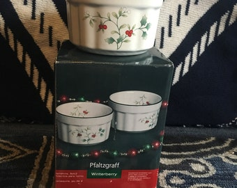 Lovely Pflaltzgraff Winterberry 2 Small Bowls