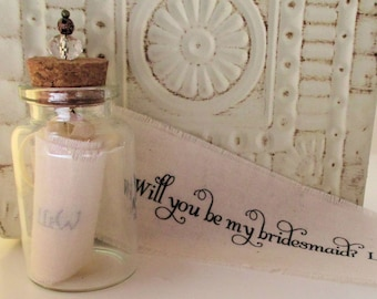 Bridesmaid Invitation - Set of 5 - Will you be my bridesmaid bottle - Personalized - Message in a bottle - Invitation