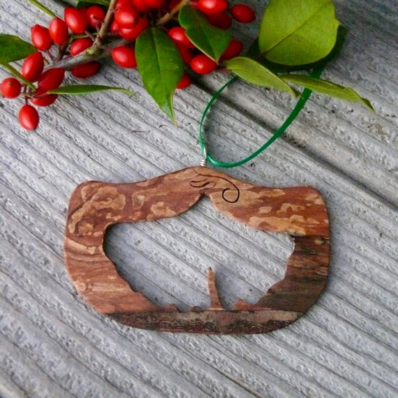 Country Christmas Ornaments, Natural wood Christmas ornaments, Gingko leaf ornament, Eco Christmas, Nature Christmas ornaments