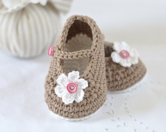 CROCHET PATTERN Baby Shoes Mary Janes Photo Tutorial Crochet Baby Booties Pattern in 3 sizes Instant Download Photo Tutorial