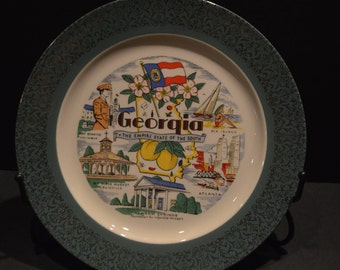 Georgia Souvenir Plate with a Green Rim and Gold Overlay from the 1950s made by Homer Laughlin