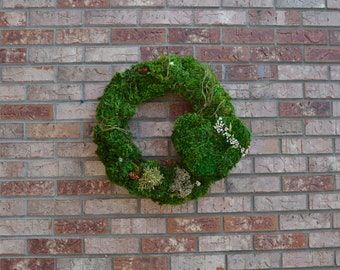 Spring Moss Heart Wreath