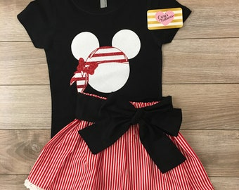 Minnie Mouse pirate themed outfit for disney cruise vacation trip