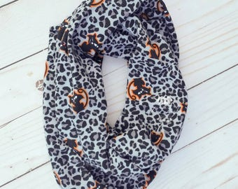 SALE - Ready To Ship - Child's Gray Animal Print Infinity Scarf - Little Girl's Scarf - Black Cat Infinity Scarf - Kid's Halloween Accessory