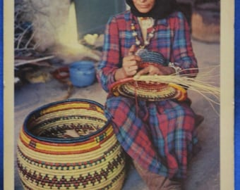 Israel Yemenite Artistic Plaiting Woman Weaves Basket Hebrew Text Standard Chrome Postcard