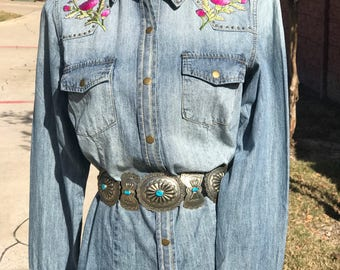 Ice washed denim shirt with pink thistle embroidered