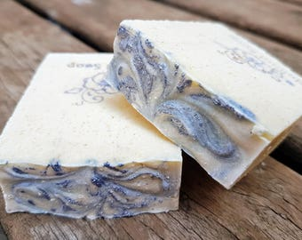 Oat soap and goat's milk. Artisan and Natural Soap