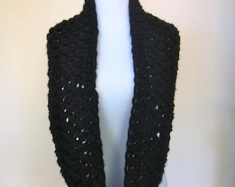 Instant Download Crochet Chunky Circle Scarf Pattern  - quick and easy less than an hour - Permission to sell finished items