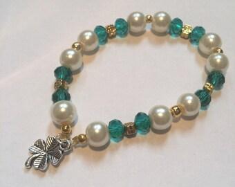 Shamrock beaded bracelet, St Patrick's day bracelet, Irish bracelet, Lucky bracelet item 348 by CraftyLittleMonkeyGB