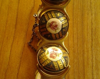Vintage goldtone roses charm bracelet