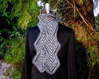 Zigzag Diamond Knit Scarf in Charcoal and Gray Large Size