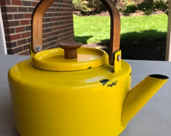 Vintage Mid Century Copco Teapot Michael Lax Design #117 Spain Yellow With Wear Look!