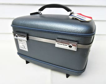 Vintage American Tourister Luggage | Train Case with Key | Traincase Makeup | Blue Gray Travel Case | Cosmetics Case | 1970s Luggage