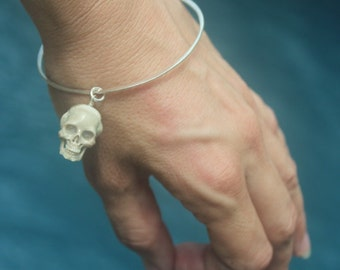 Hand carved Bone Skull charm on Sterling Silver Bangle, 1 pc Handmade hammered 925 Silver stacking Bangle, Statement jewelry, Goth Jewelry