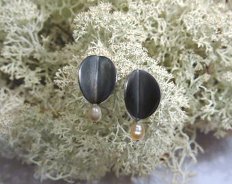sterling silver 925 oxidized stud earrings with white pearl