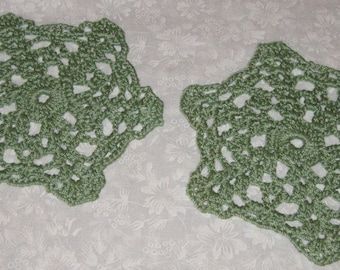 """Two small round Doilies, Green, 5 3/4"""" across"""