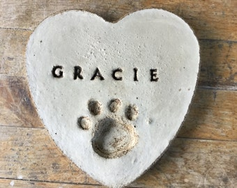10 in. Solid concrete Personalized pet memorial heart stone/garden stone/pet memorial stone